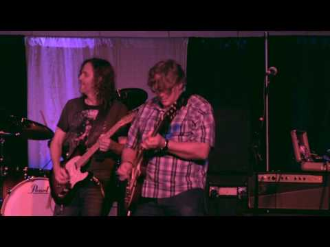 You Got A Man Who Loves You So - Performed by The Band Of Brothers at The 2016 Dallas International Guitar Show