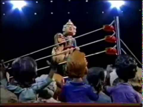 deathmatch - best fights ever celebrity deathmatch ozzy osbourne vs elton john.
