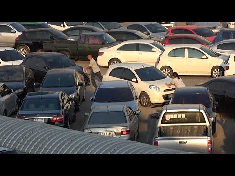 Parkplatz in Bangkok: Was nicht passt, wird passend g ...