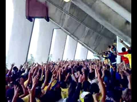 La Monu 16 - yo quiero mi cajon azul y amarillo - La Monumental - América