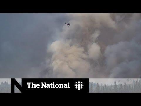 Communities on edge from B.C. wildfires (видео)