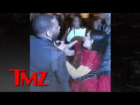 Cardi B Gets Lump On Head, Attacks Nicki Minaj, Throws Shoe, 'Calls Her P***y | TMZ