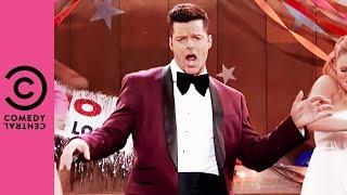 Ricky Martin Performs Kenny Loggins'