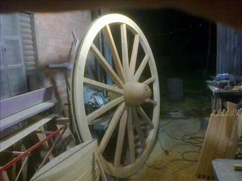 Fazendo roda de carreta ou carro de boi,carroça,carruagem etc..