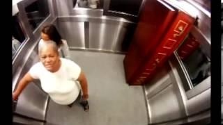 Kamera E Fshehte Ne Lift E Frikshme !