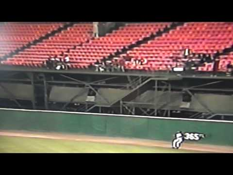 Glenallen Hill Takes Home Run Away Candlestick Park (видео)