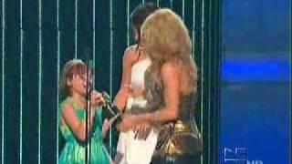 Shakira receiving an Award by Selena Gomez on Premios Juventud  JULY 15 2010 ( FAVORITE VIDEO AWARD)