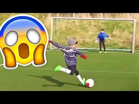 BEST SOCCER FOOTBALL VINES - GOALS, SKILLS, FAILS #14