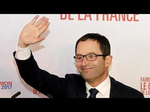 Αμόν εναντίον Βαλς για το χρίσμα των Γάλλων Σοσιαλιστών
