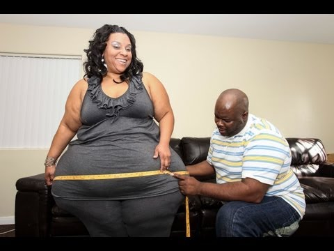 Hip - Woman has the Largest Hips in the World: Biggest Hips in the World SUBSCRIBE: http://bit.ly/Oc61Hj Curvy Mikel Ruffinelli has the world's biggest hips - meas...