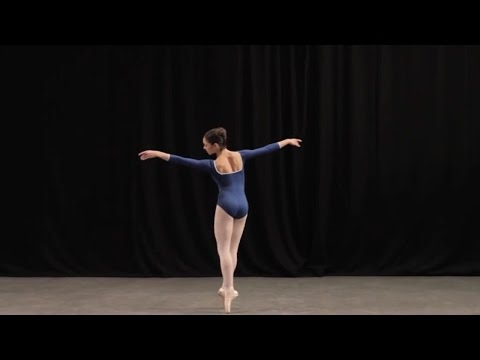 Insight: Ballet glossary - bourrée en couru