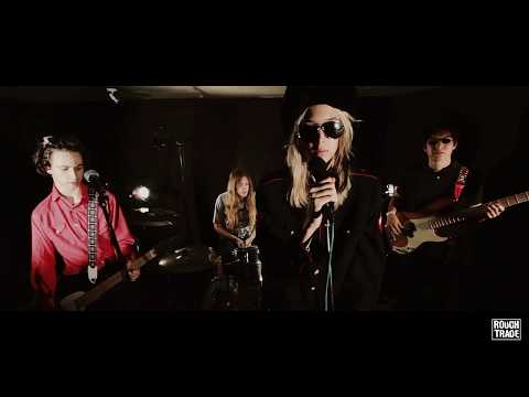 VIDEO: STARCRAWLER - 'Used To Know' (Rough Trade Session)