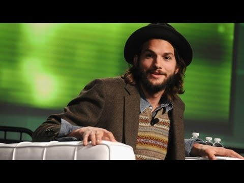 After Defending Paterno, Ashton Kutcher Takes a Break From Twitter