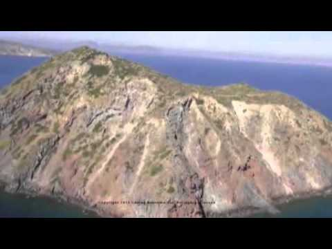 "Video - Το τουρκικό Λιμενικό ""συνόδευσε"" λέμβο με μετανάστες για να φτάσει σε νησίδα μας"
