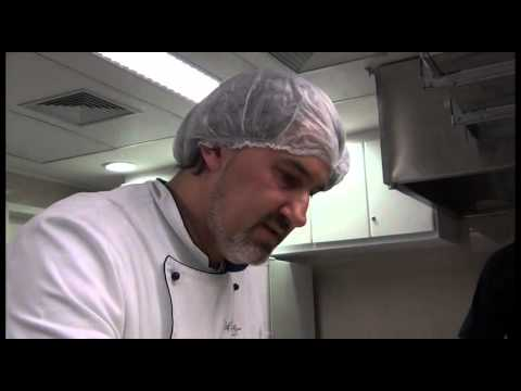 Lasanha de Pão - Vídeo Aula - Oficina de Vídeo do Abrace Seu Bairro