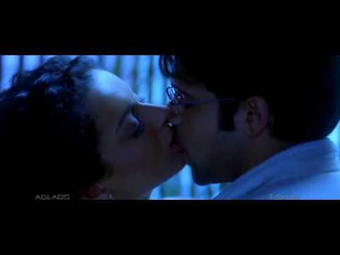 Imran Hashmi Kissing Kangana Ranaut In The Movie  GANGSTER