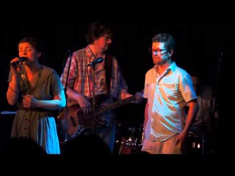 "Skydiggers – ""Ramblin' On"" (live @ at Hugh's Room in Toronto)"