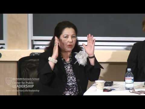 Latino-Führungsinitiative: Latina-Führer Einsatz