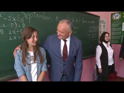 """Președintele țării a vizitat Gimnaziul """"Viorel Cantemir"""" din satul Sofia, raionul Drochia"""