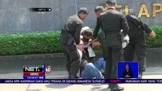 Video Usai Tragedi Mako Brimob, Seorang Pria Mengaku Wartawan Diamankan Petugas - NET 12 MP3, 3GP, MP4, WEBM, AVI, FLV Agustus 2018