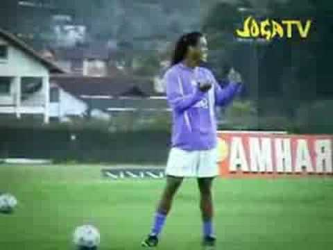 Ronaldinho vs C.ronaldo freestyle