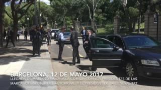 Mariano Rajoy es recibido por el presidente de la Generalitat de Cataluña, Carlos  Puigdemont, a a la comida con los presidentes de los principales fabricantes y distribuidores en España del sector del automóvil