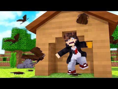 Minecraft: DESAFIO DA BASE 100% SEGURA CONTRA BARATA GIGANTE ‹ JUAUM ›
