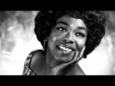 Tekst piosenki Sarah Vaughan - How Long Has This Been Going On? po polsku