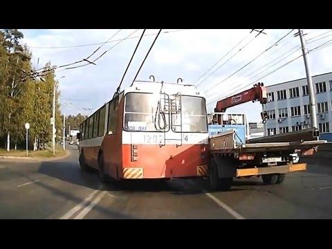 Авария в Ижевске с участием грузовика и тролебуса
