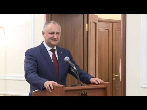 Глава государства вручил Почетные дипломы Президента Республики Молдова группе граждан