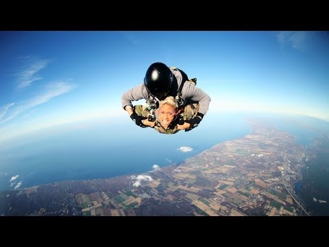 andflies - Wanna learn how to be fearless & fly? Face your fears! Watch me along with other YouTubers conquer our fears: http://bit.ly/18wZoqR Facebook: https://www.fac...