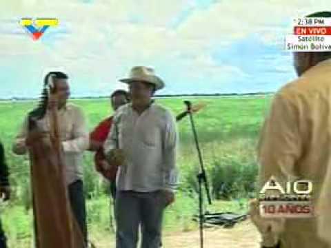 Hugo Chávez - Por aqui Paso
