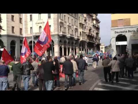 Primo Maggio a Varese, il corteo dei lavoratori