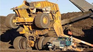Video Extreme Dangerous Climbers Dump Truck Bulldozer Operator - Largest Heavy Equipment Machines Monster MP3, 3GP, MP4, WEBM, AVI, FLV Juli 2018