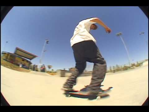 Marco Gomez  front blunt slide to switch k grind