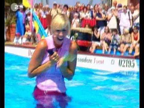 Andrea Kiewel 7-9-2003 zdf fernsehgarten oops nipslip nippleslip wet