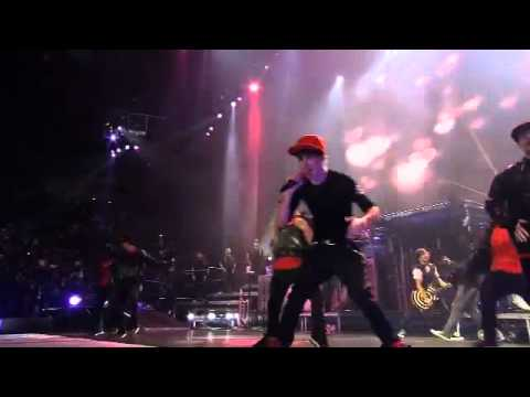 Justin Bieber - Baby ft. Ludacris (Live At The Madison Square Garden) HD