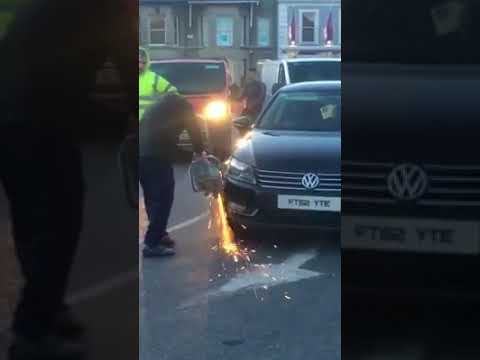 Travellers remove wheel clamp