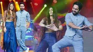 Ayushmann Khurrana Kriti Sanon Promote Bareily Ki Barfi at Umang Festival.Click this below link and subscribe to our channel to get all updates on Bollywood Movies, and your favorite Bollywood actresses and actors.http://goo.gl/cfijvC
