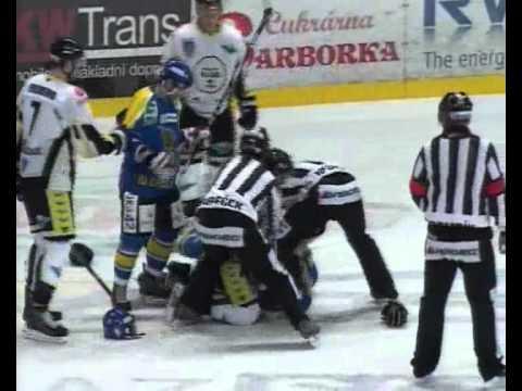 Slovan Ústí n.L  vs Kadaň - bitka