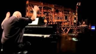 Maquinofòbiapianolera és un concert per piano i orquestra mecànica compost i interpretat per Carles Santos i cabosanroque.
