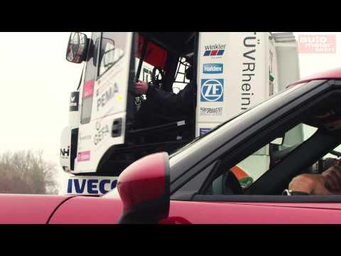 Iveco Stralis vs. Alfa Romeo 4C