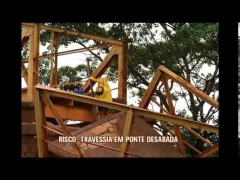 Ponte desaba e prejudica moradores em Lagoa da Prata