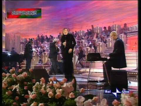 """Addio a """"Toots"""" Thielemans, la leggenda del jazz che incantò Sanremo nel 1997"""