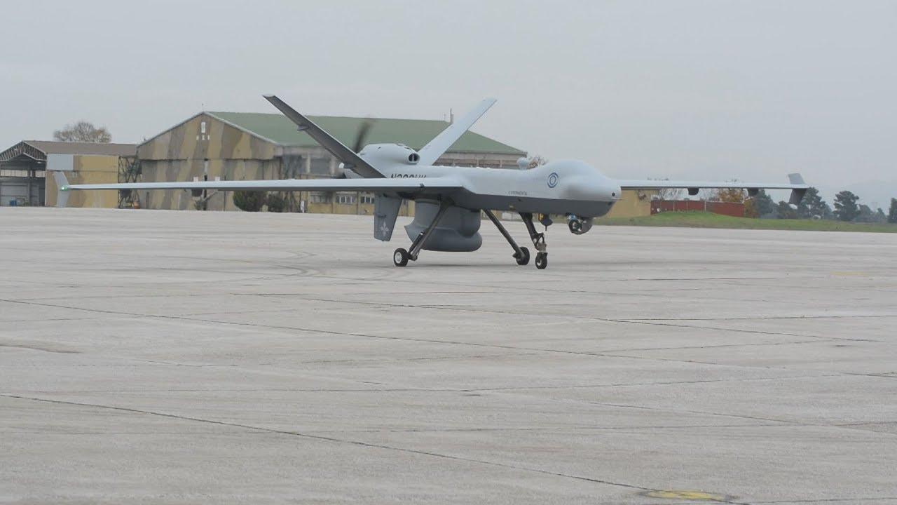 Επίδειξη πτήσης του μη επανδρωμένου αεροσκάφους Drone MQ-9  Guardian στη Λάρισα