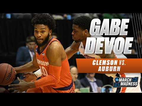 Clemson's Gabe Devoe scores a game-high 22 points as the Tigers advance to the Sweet 16 (видео)