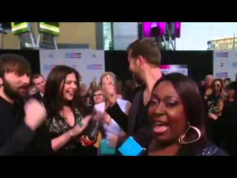Loni Love at the AMAs on Ellen show