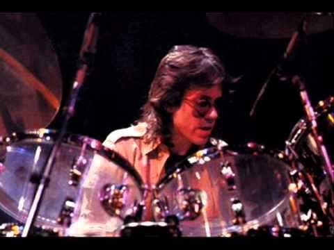 Jeff Porcaro & Steve Lukather Jimmy Johnson Lenny Castro Greg Mathieson - I don't Know-live 1988