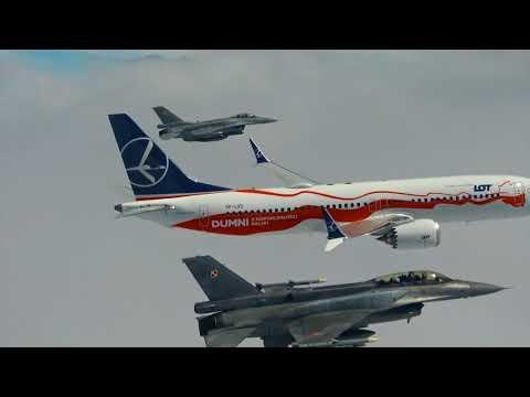 Biało-czerwony dreamliner w asyście myśliwców ...