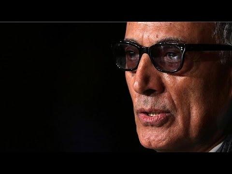 Ιράν: Πλήθος κόσμου «αποχαιρέτησε» τον Ιρανό σκηνοθέτη Αμπάς Κιαροστάμι